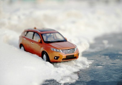 冬季祛除车窗结雾 四招带你走出雾区