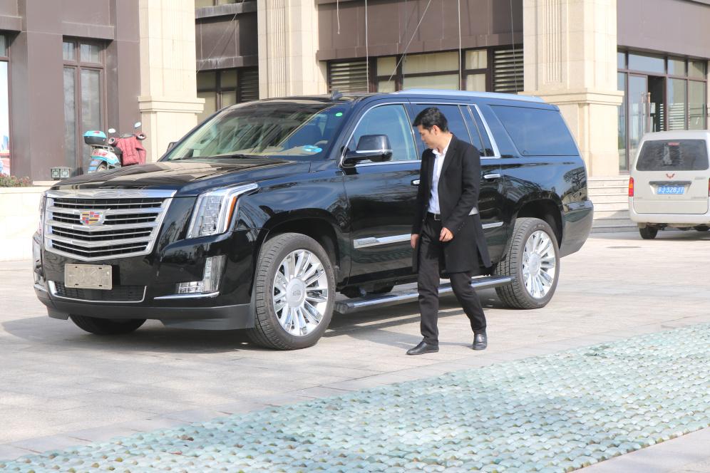 凯迪拉克凯雷德商务型SUV最低价145万起